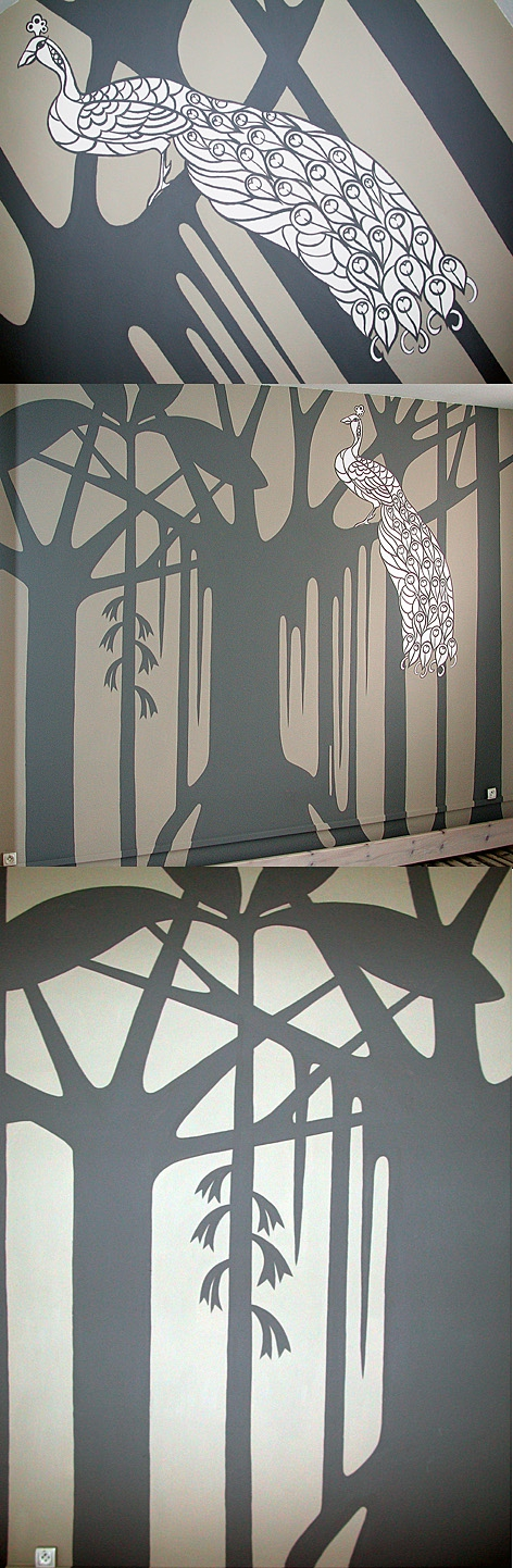 Fresque paon avec forêt