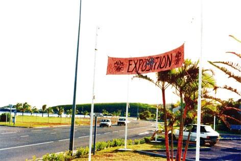 La banderole sur la route de Nouville